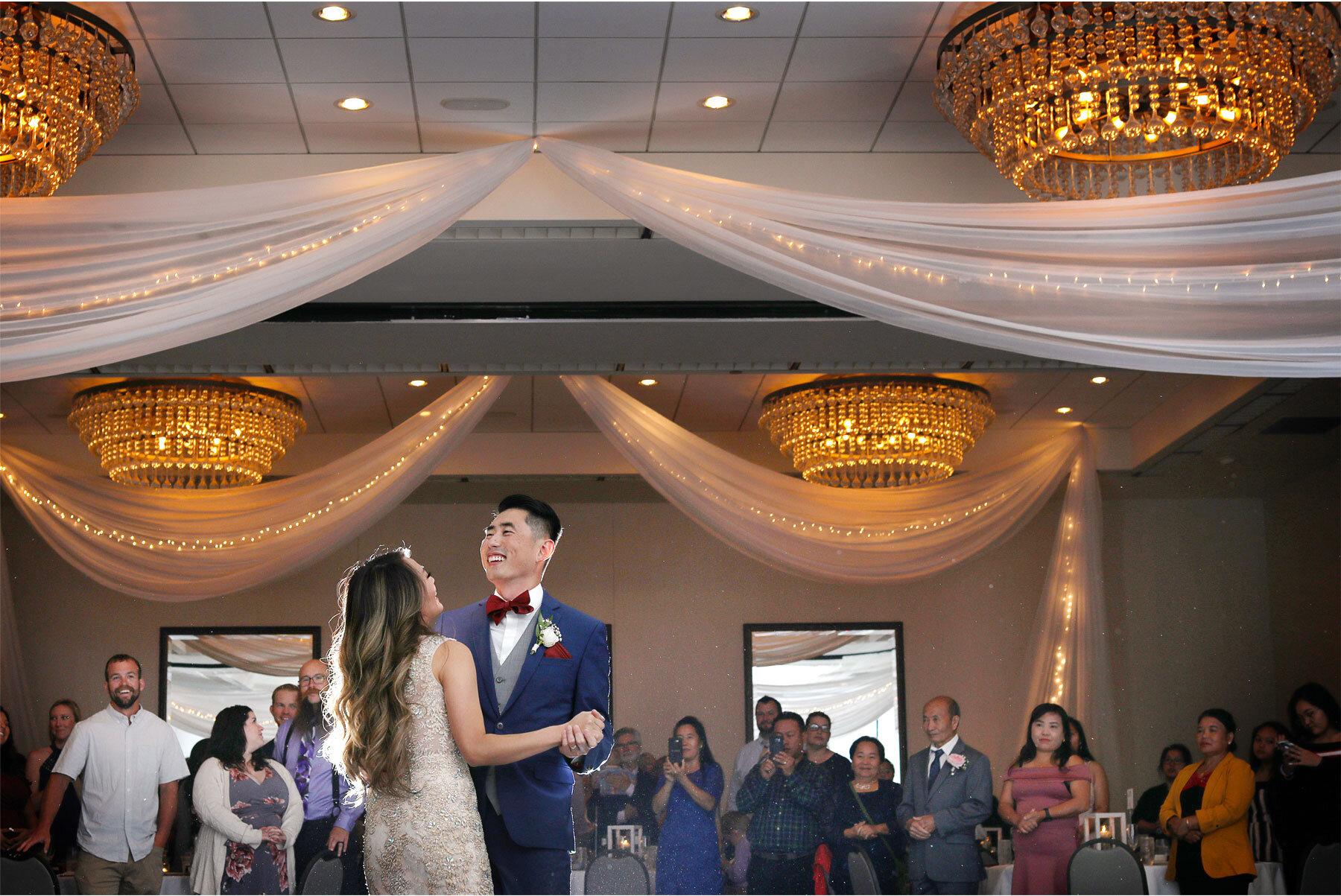 16-Vick-Photography-Minneapolis-Minnesota-The-Graduate-Hotel-Reception-Bride-Groom-First-Dance-Mai-&-Ross.jpg