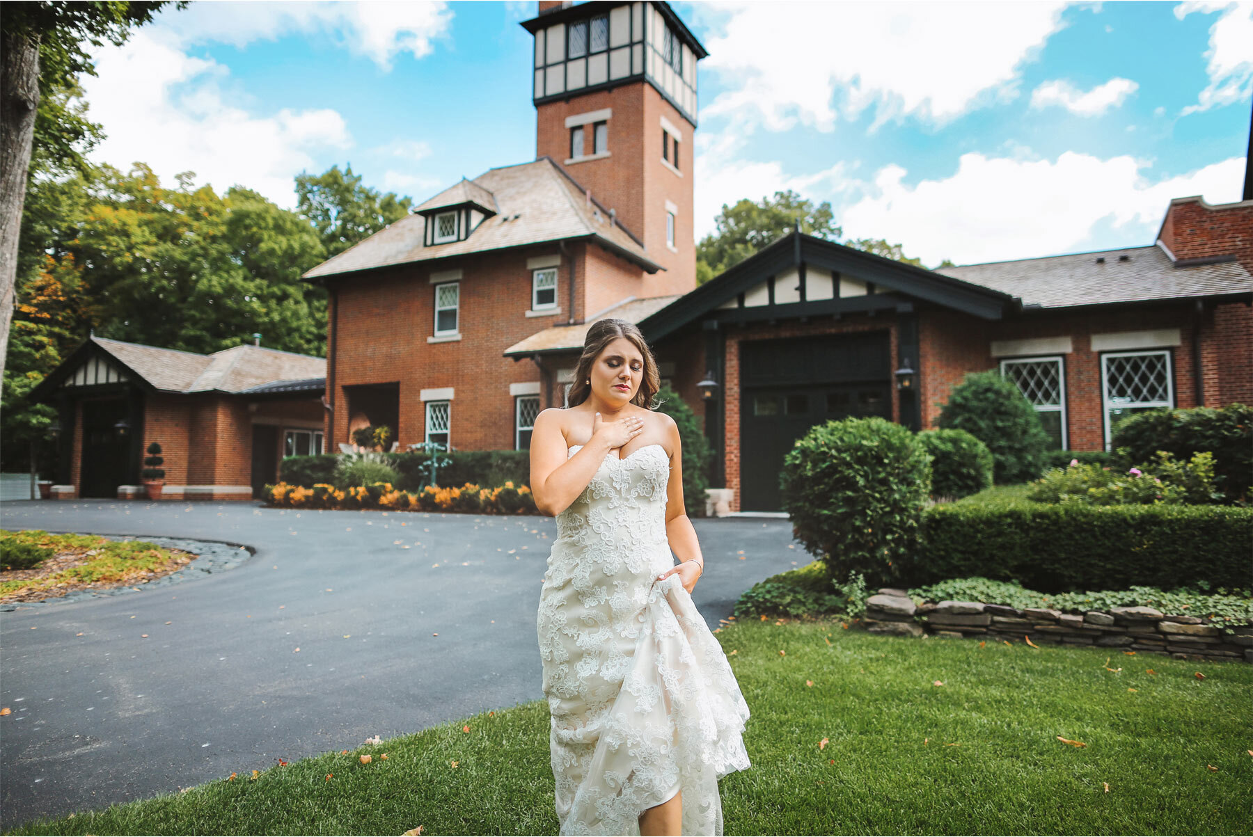 04-Vick-Photography-Wedding-Minnetonka-Minnesota-Family-Home-Bride-Katie-and-David.jpg