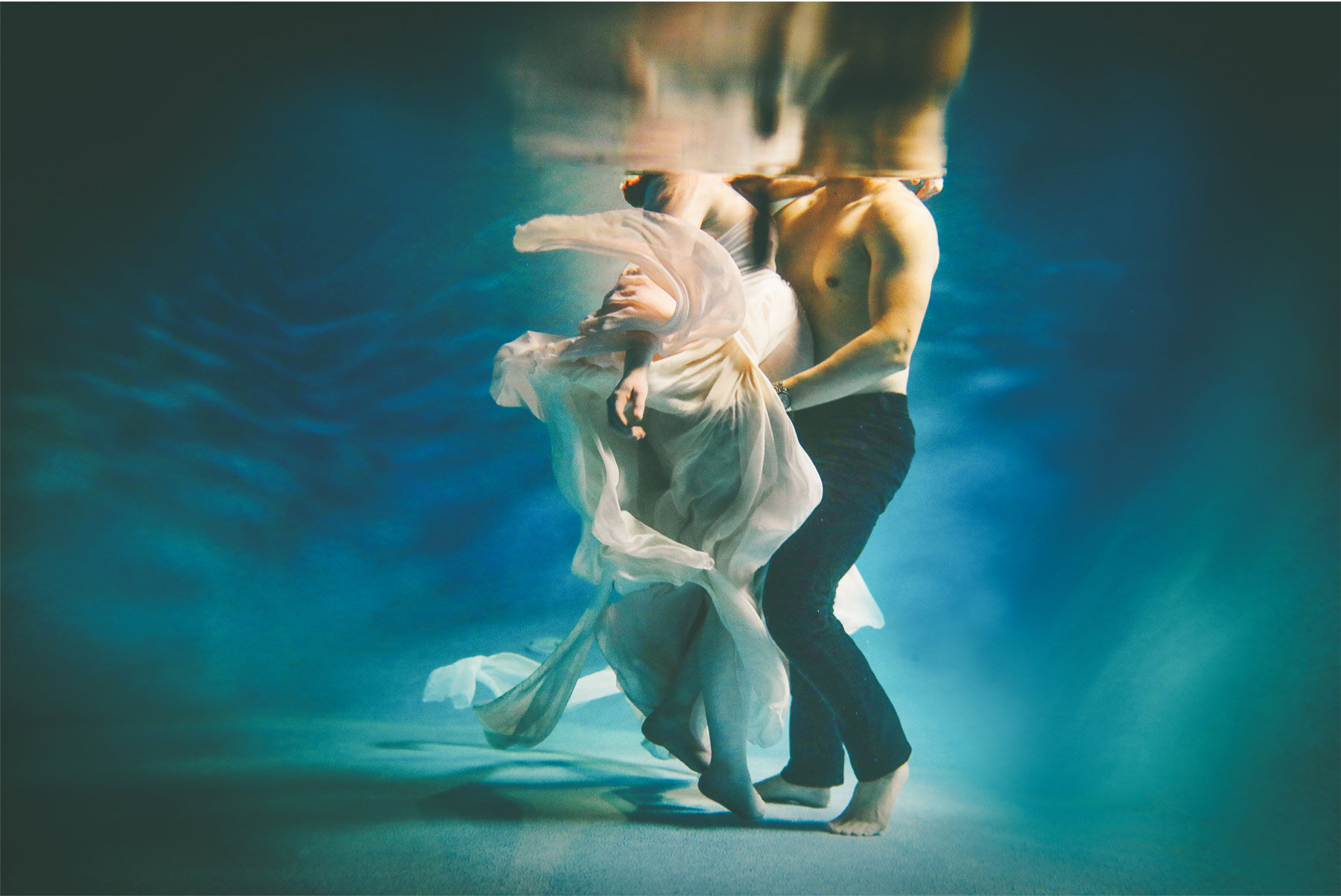 08-Vick-Studios-Maternity-Baby-Bump-Photo-Session-Mother-Father-Pool-Underwater-Dress-Night-Carrie-and-Brian.jpg