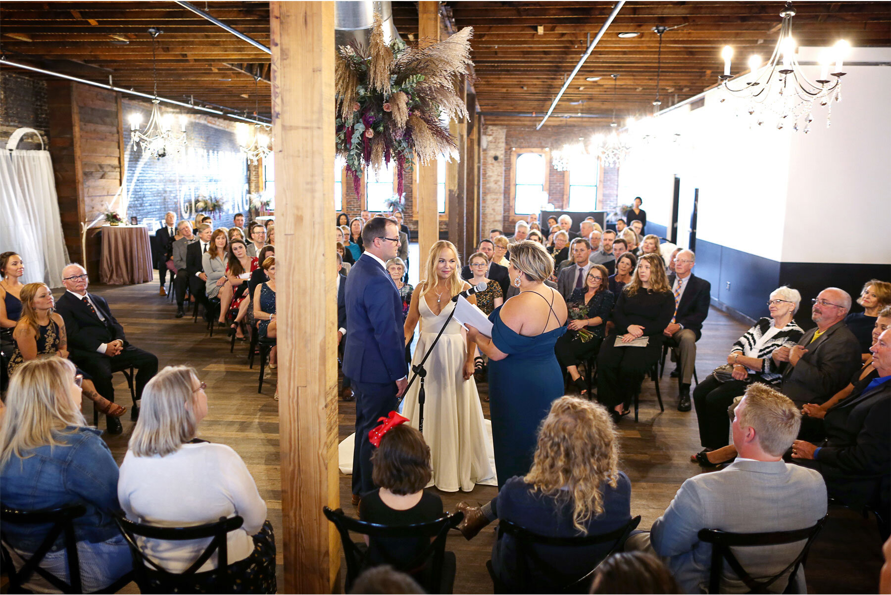 10-Vick-Photography-Wedding-Minneapolis-Minnesota-Earl-and-Wilson-Bride-Groom-Ceremony-Danielle-and-Tom.jpg