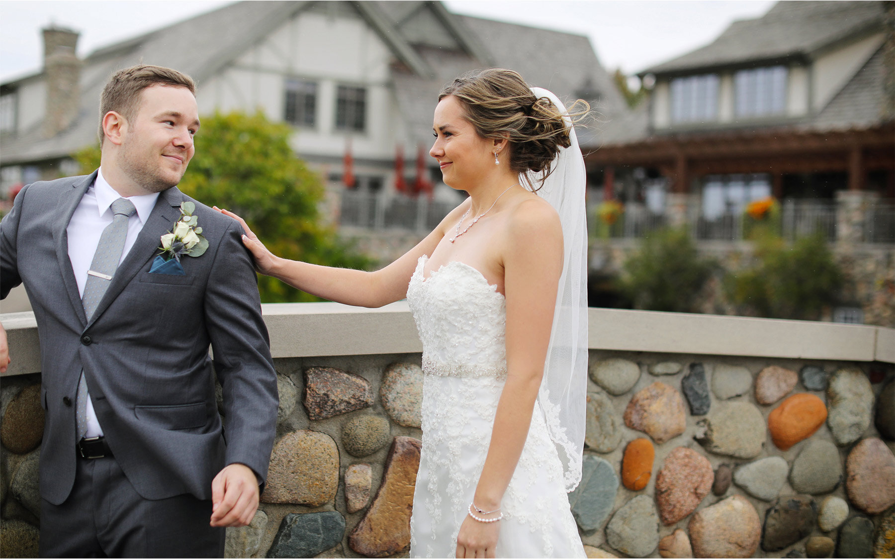 02-Vick-Photography-Minneapolis-Minnesota-Wedding-Rush-Creek-Golf-Club-Groom-Bride-First-Look-Amanda-and-Michael.jpg