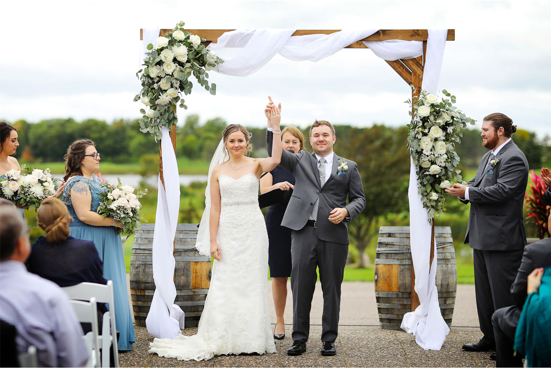 12-Vick-Photography-Minneapolis-Minnesota-Wedding-Rush-Creek-Golf-Club-Ceremony-Outdoor-Bride-Groom-Amanda-and-Michael.jpg