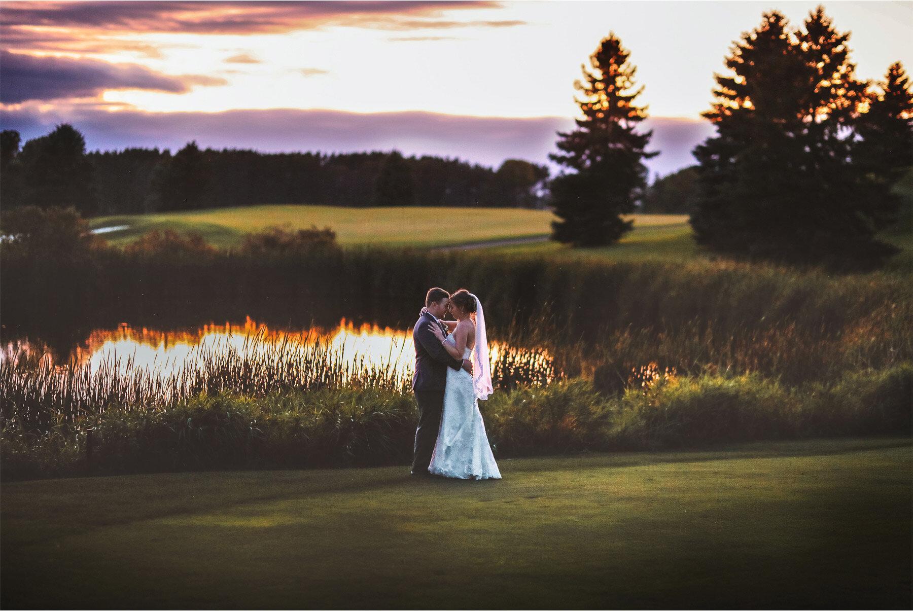 20-Vick-Photography-Minneapolis-Minnesota-Wedding-Rush-Creek-Golf-Club-Reception-Sunset-Amanda-and-Michael.jpg