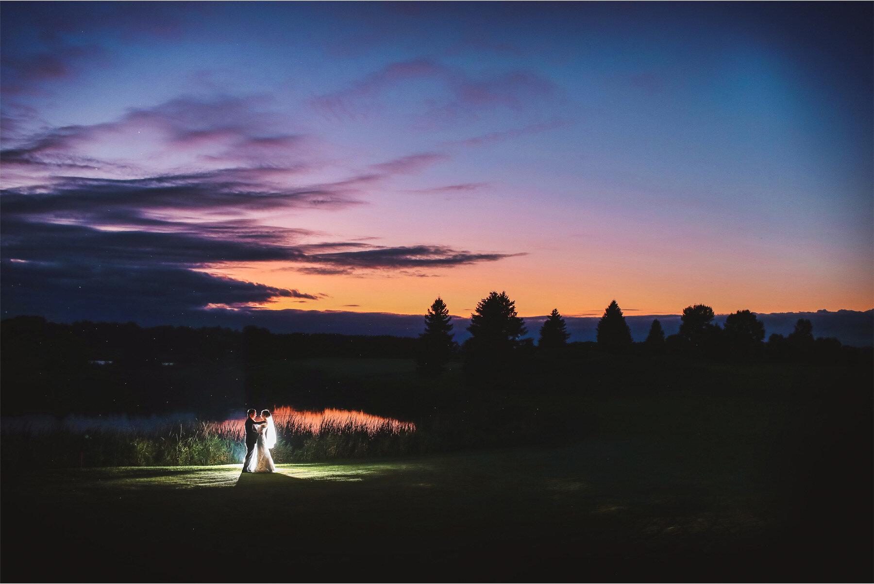 22-Vick-Photography-Minneapolis-Minnesota-Wedding-Rush-Creek-Golf-Club-Reception-Sunset-Amanda-and-Michael.jpg