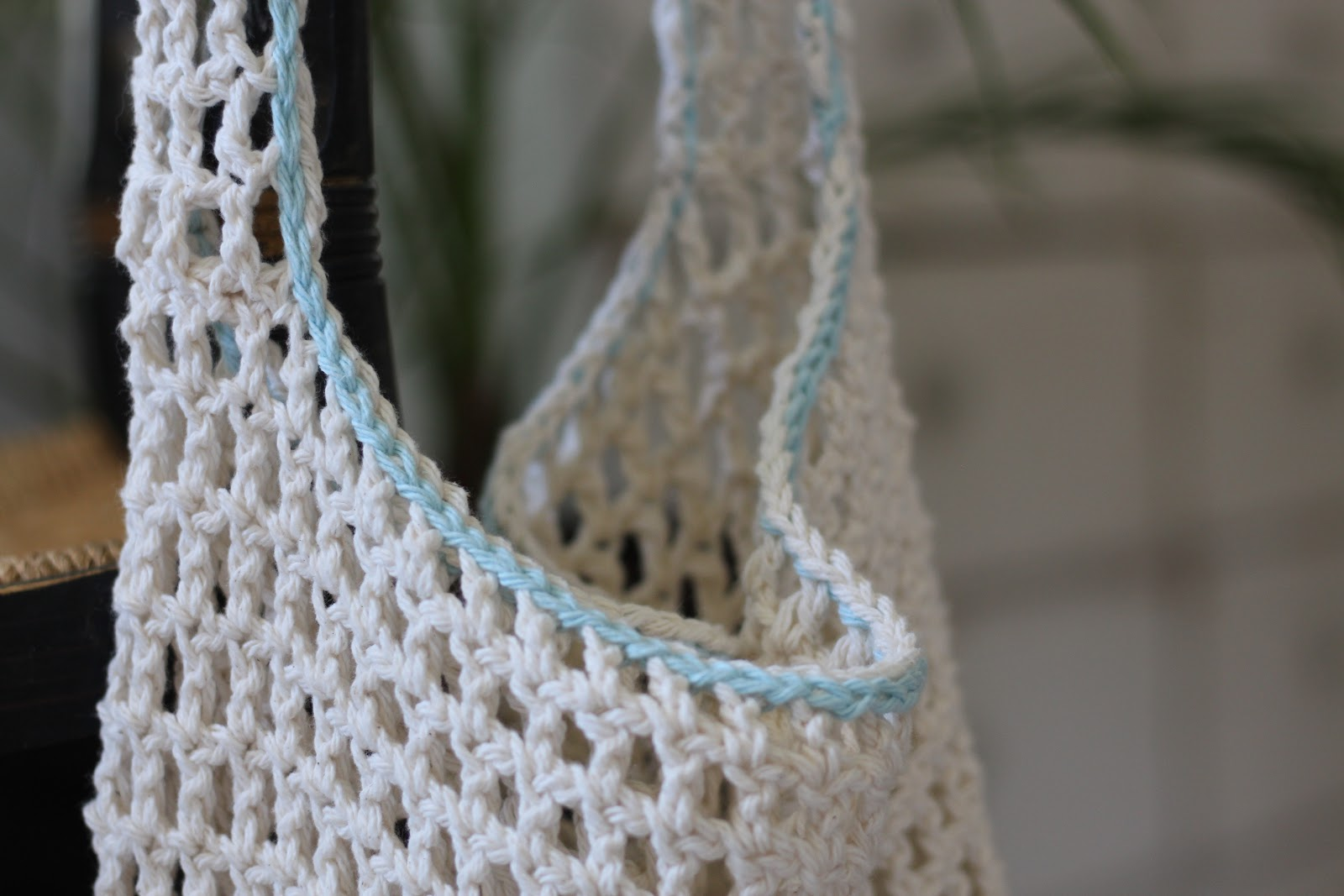 The slip stitch edging give this bag a simple finishing touch!