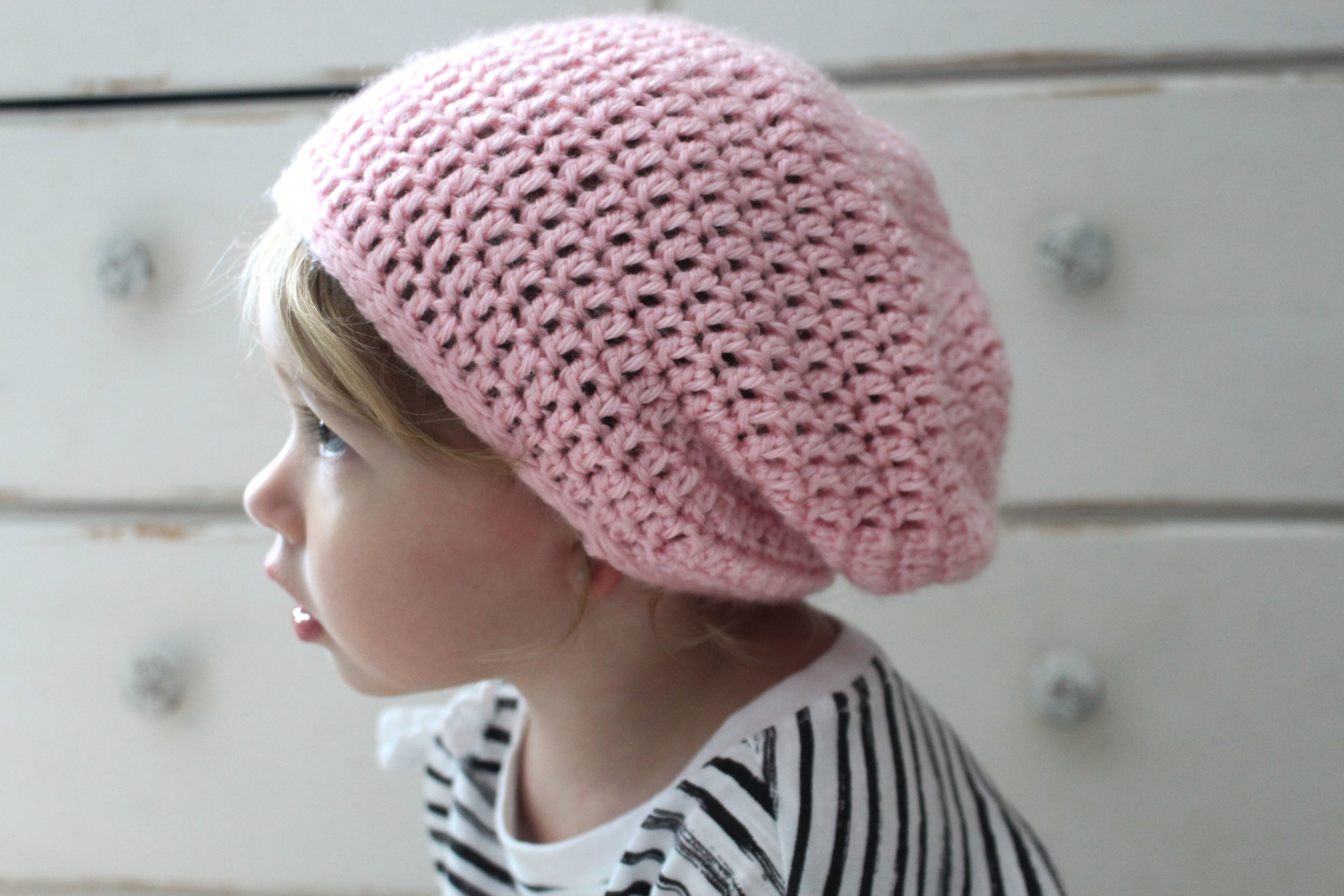 3 Sizes LARGE PRINT Knitting Pattern 4 Styles Baby Bonnets /& 1 Hat
