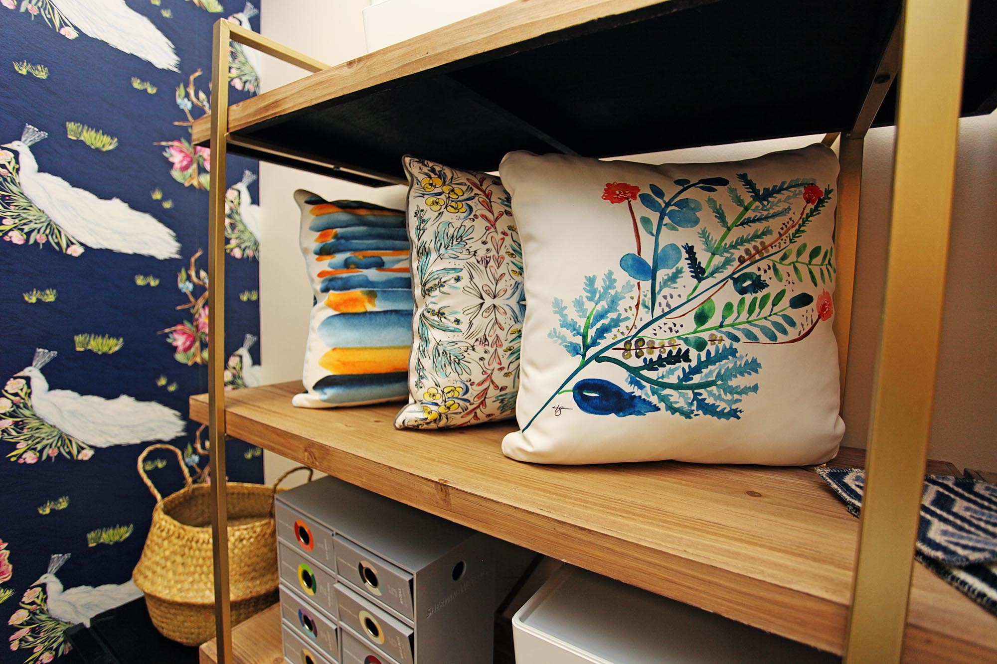 Spacious cabinet with three pillows