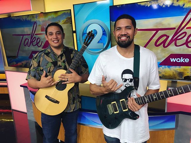 Are you a fan of live entertainment? 🎶 Come join the party with the Honolulu Professionals Foundation! 🎉 We are one week away from the 2019 Party 4 A Purpose!  Kala'e Camarillo & Kamaka Camarillo will also be jamming away! Check them out by purchasing your tickets today - there's still time to take advantage of our early bird pricing 🐣  Credit: 📸 courtesy of Aaron Mikami  #HonoluluPros #Party4APurpose #HiLife #OahuLife #LiveMusic #Honolulu #HonoluluEvents #Living808 #PomaikaiBallrooms #HHOC #KPAL