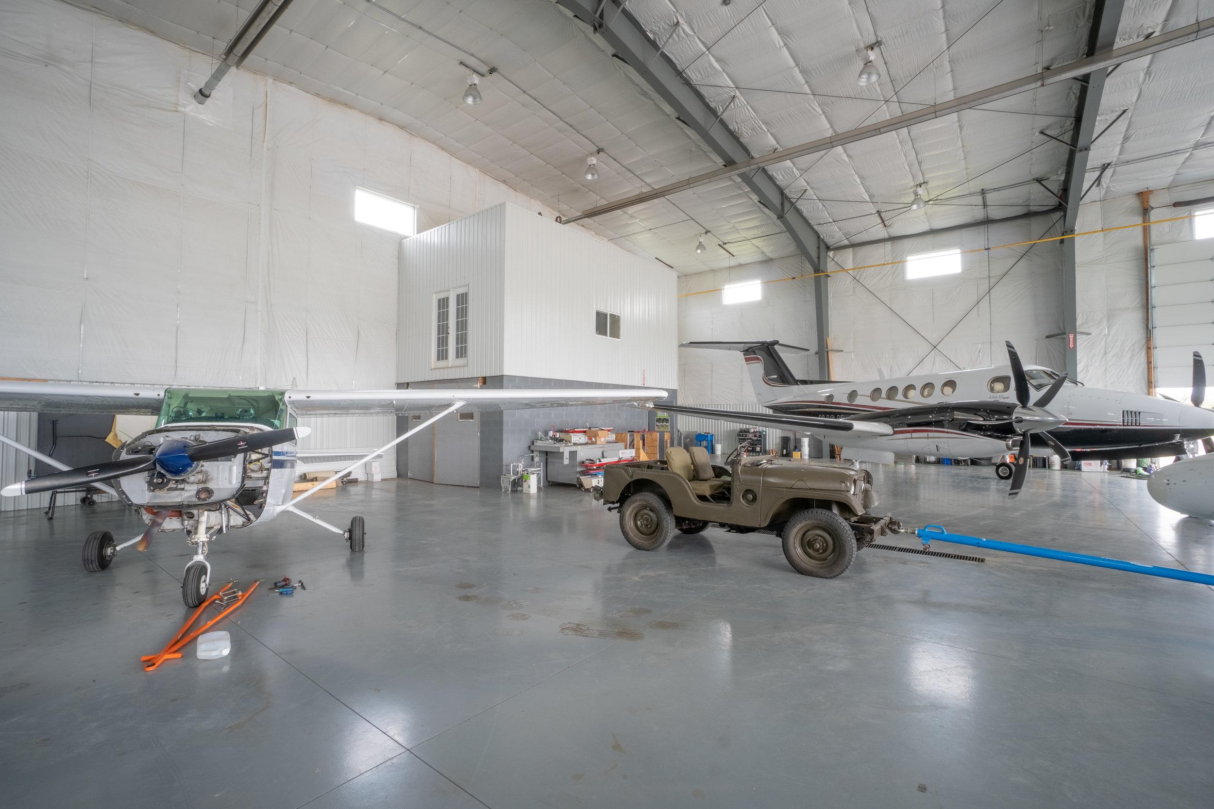 WOODSIDE-AIRPORT HANGER-7.jpg