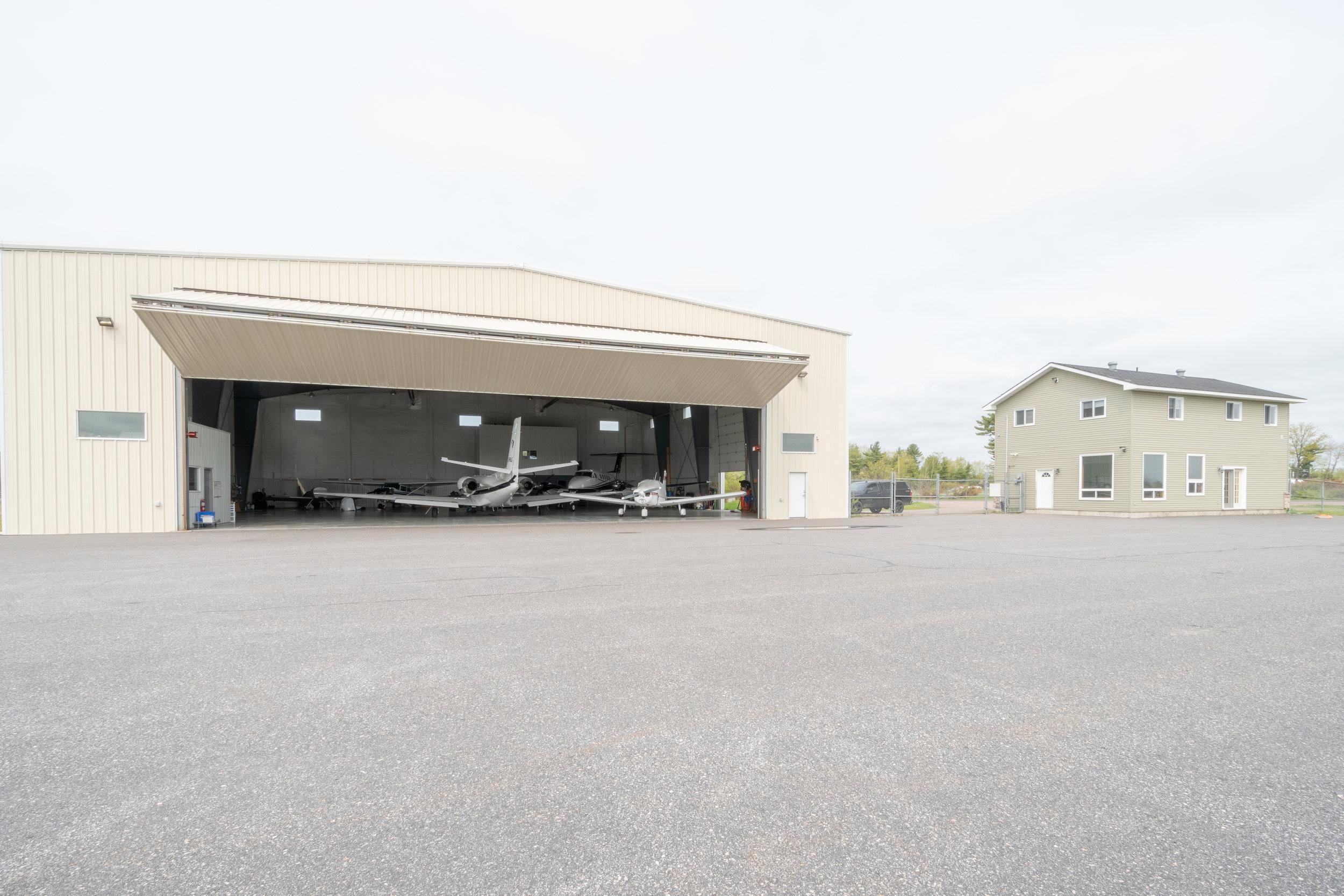 WOODSIDE-AIRPORT HANGER-4.jpg
