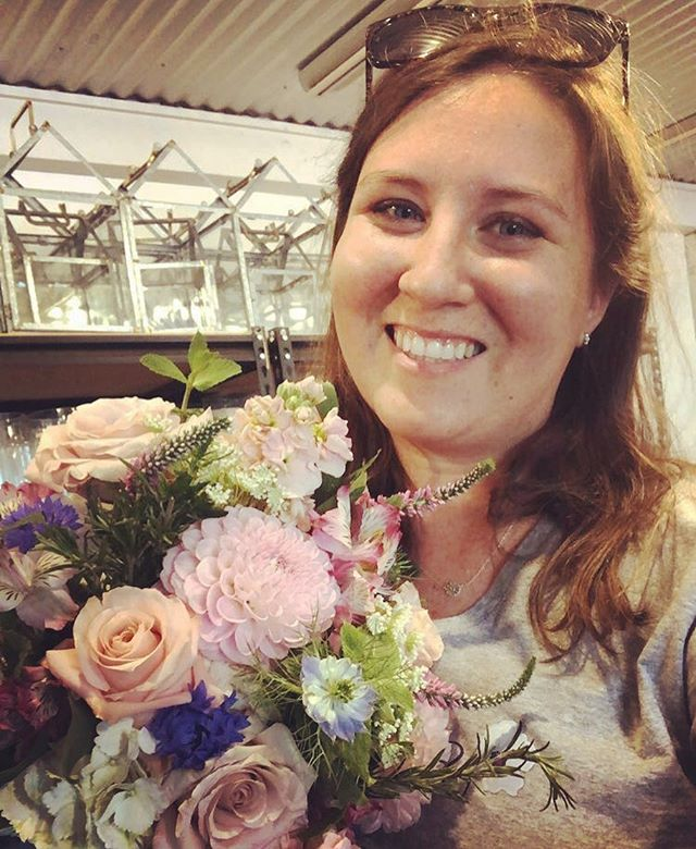Messy hair, late nights, hands stained green, and a big ole smile on my face. Wouldn't trade being a florist for anything 💕  #floristlife #sarahbellafloraldesign #allpinkeverythanggg #bridesmaidbouquet #smallbusiness #bosslady #entreprenuHER