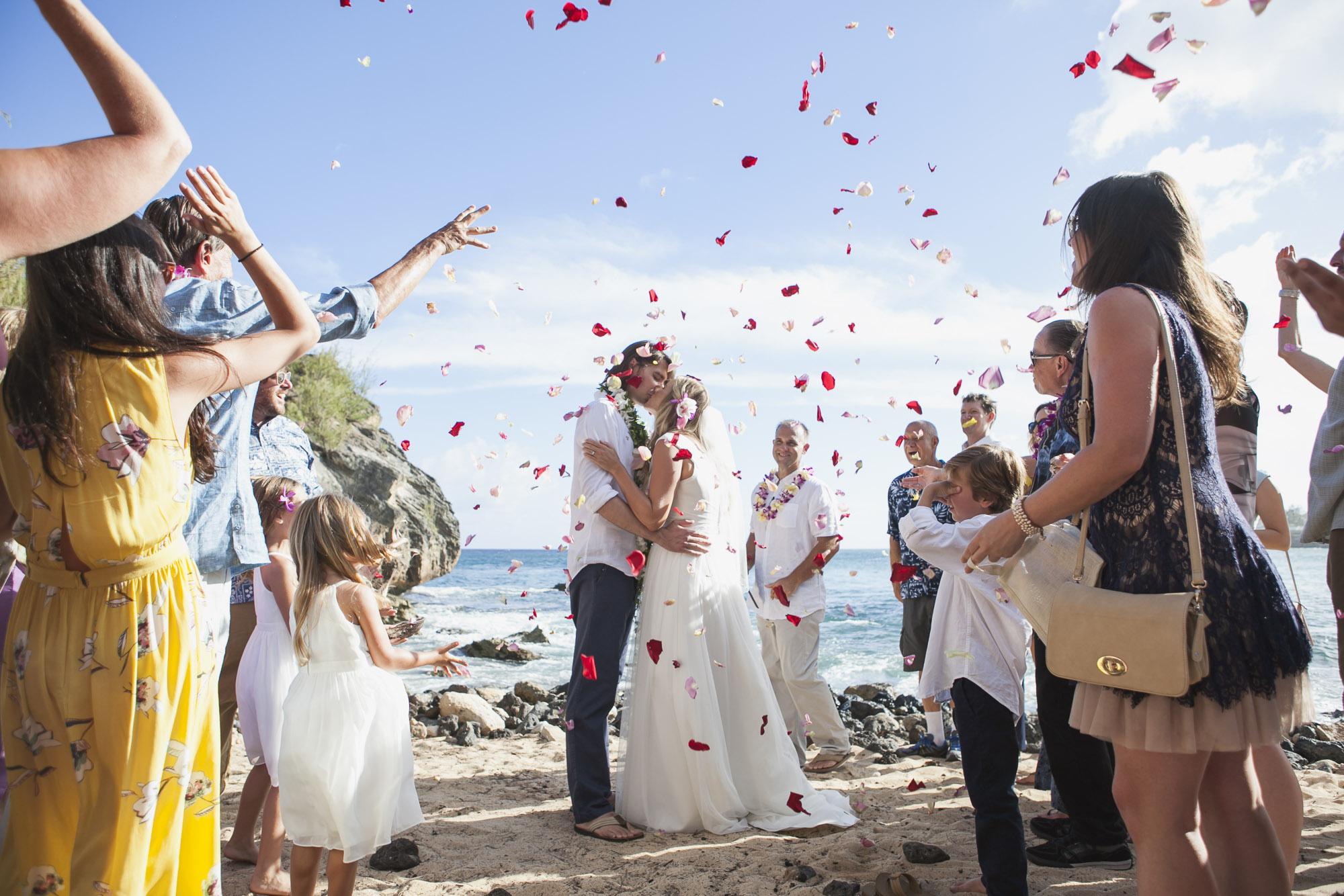 Laid_Back_Hawaiian_Beach_Wedding.jpg