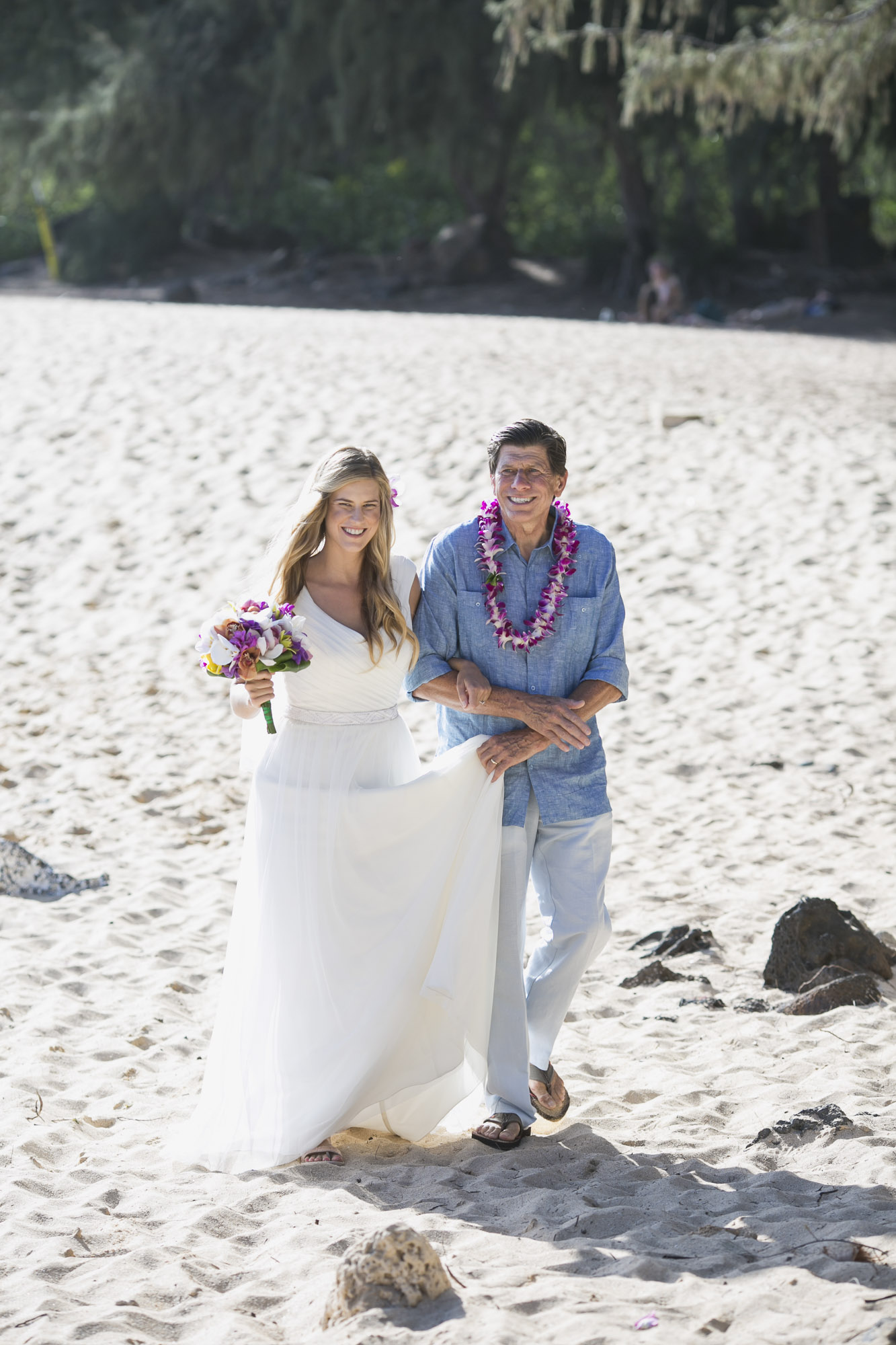 013_Laid_Back_Hawaiian_Beach_Wedding.jpg