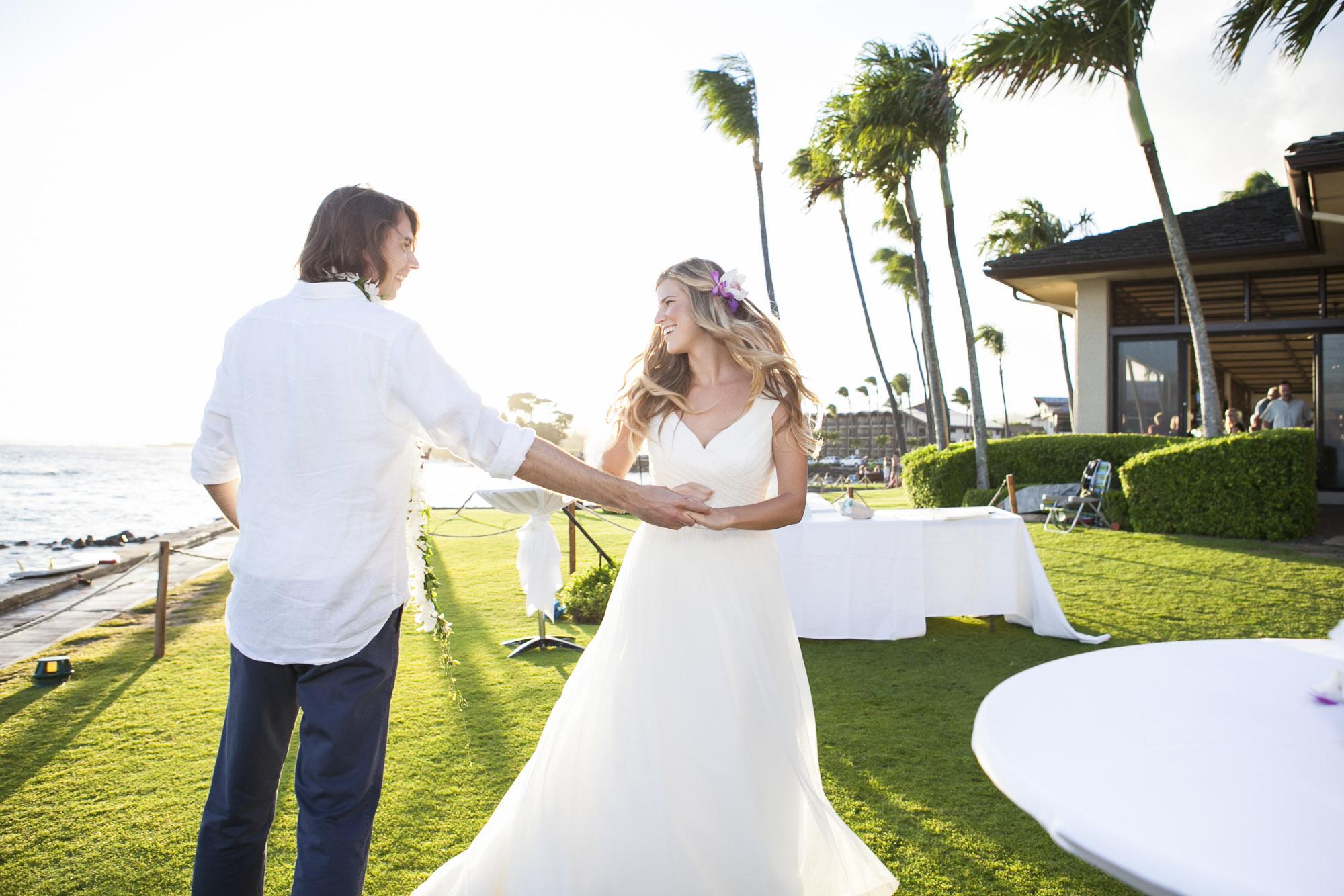 033_Laid_Back_Hawaiian_Beach_Wedding.jpg