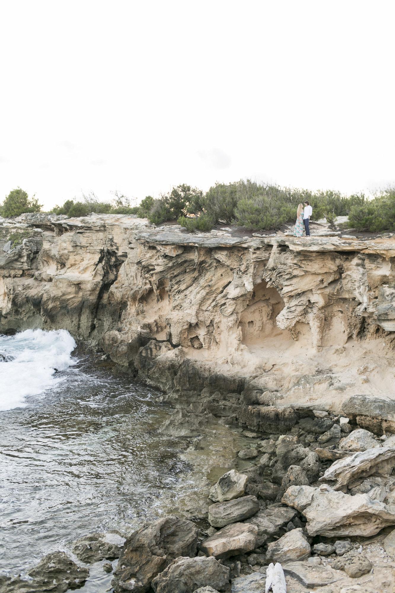 021_Epic_Cliff_Kauai_Beach_Engagement.jpg
