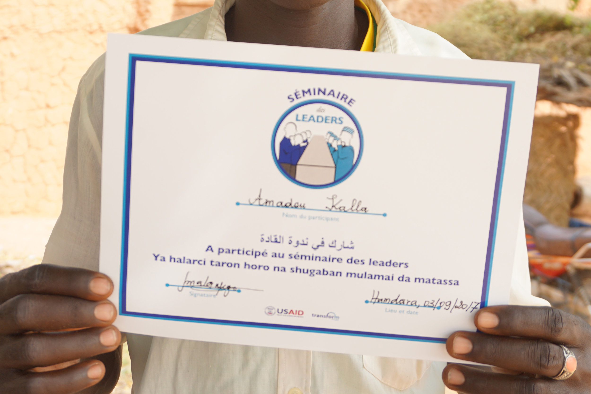 Participating youth and religious leaders received a certificate recognizing and incentivizing their participation in the debates