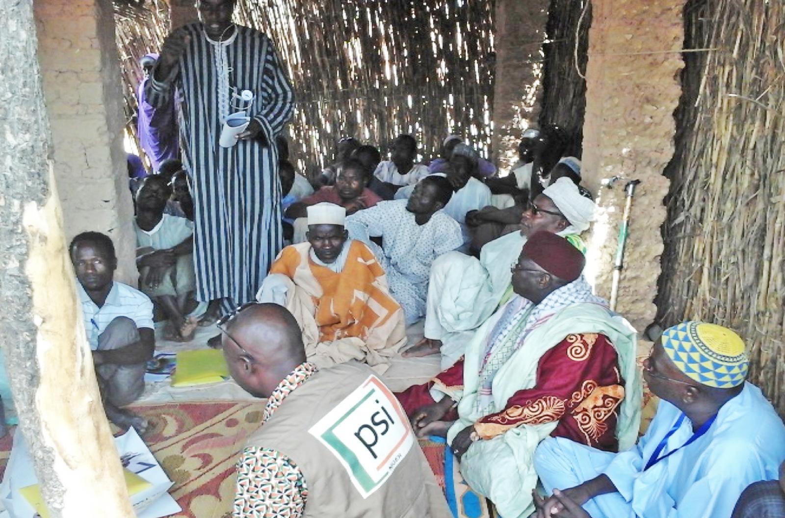 Session de recruitement à la mosquée locale de Gramoumssa en présence des leaders religieux