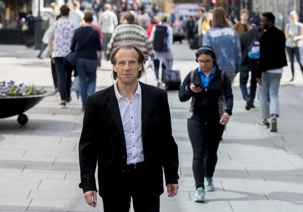 Jan Bøhler (Ap) tar til orde for et forbud mot jomfru-sjekker og ærbarhets-attester. Foto: Vidar Ruud (NTB scanpix) (Først publisert i Nettavisen).