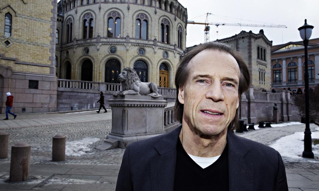 UFORSTÅELIG: Etter 2015 er antall knivstikkinger eller legemsbeskadigelser med kniv, ikke lenger med i STRASAK-statistikken fra Politidirektoratet. Det er egentlig uforståelig, skriver Jan Bøhler, stortingrepresentant for Ap, fra Oslo. Foto: Henning Lillegård / Dagbladet.