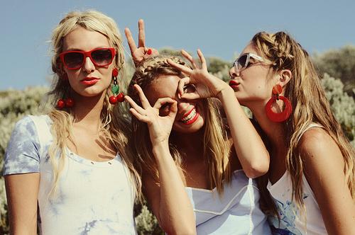 cute-fashion-friends-girl-girlfriends-photography-favim_com-59197_large1.jpg