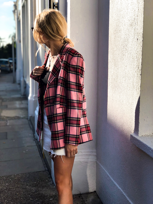 Jacket: Mango, Crop Top: Pretty Little Thing, Skirt: Primark, Shoes: Zara