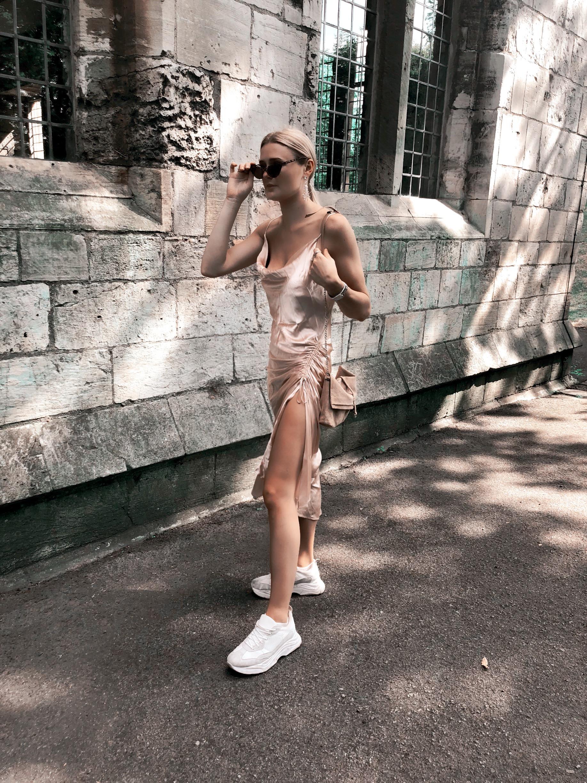 THE SILK DRESS -