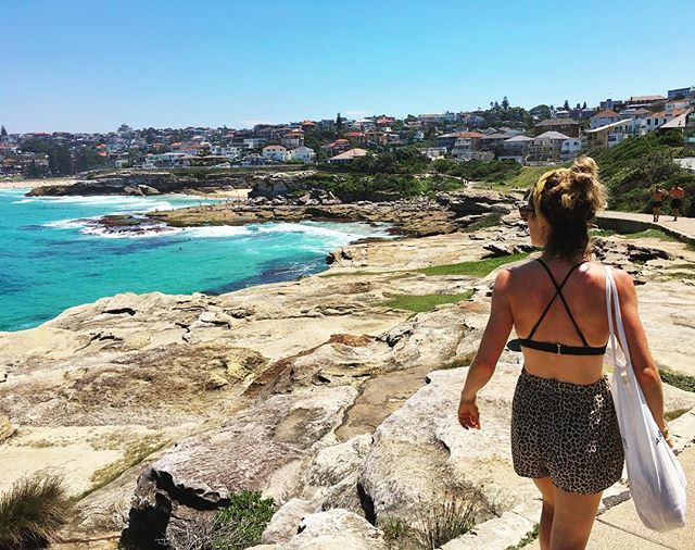 This view never gets boring 😍. The only thing what misses is my sister. #trowback #saturdaywalk #bronte  #ohohaussie