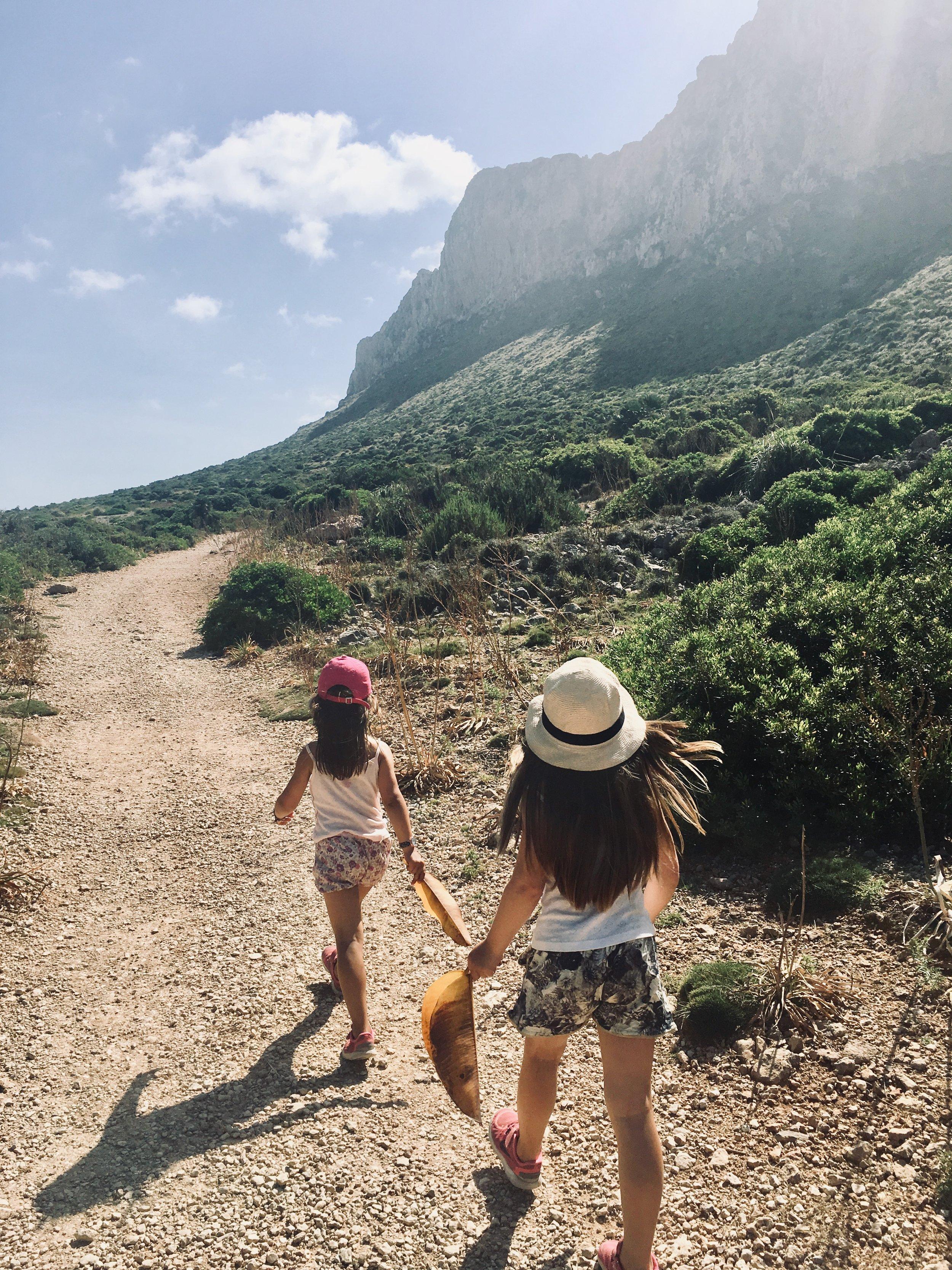 Ut på eventyr saman med jentene på vakre Mallorca. Bedre blir det ikkje.