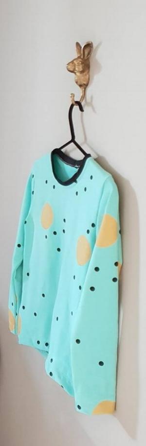 Nappinjan kanssa yhteistyössä toteutetun paidan kankaastakin löytyi oikea sävymaailma.