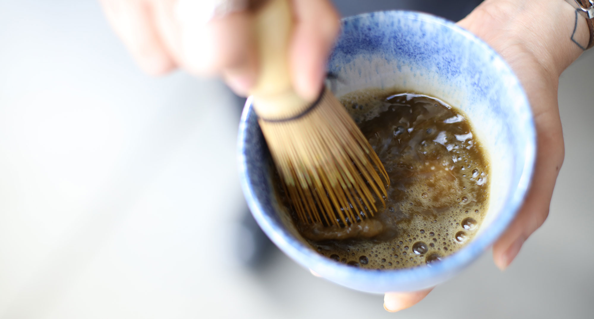 alcovecoffee_hojicha_latte.jpg