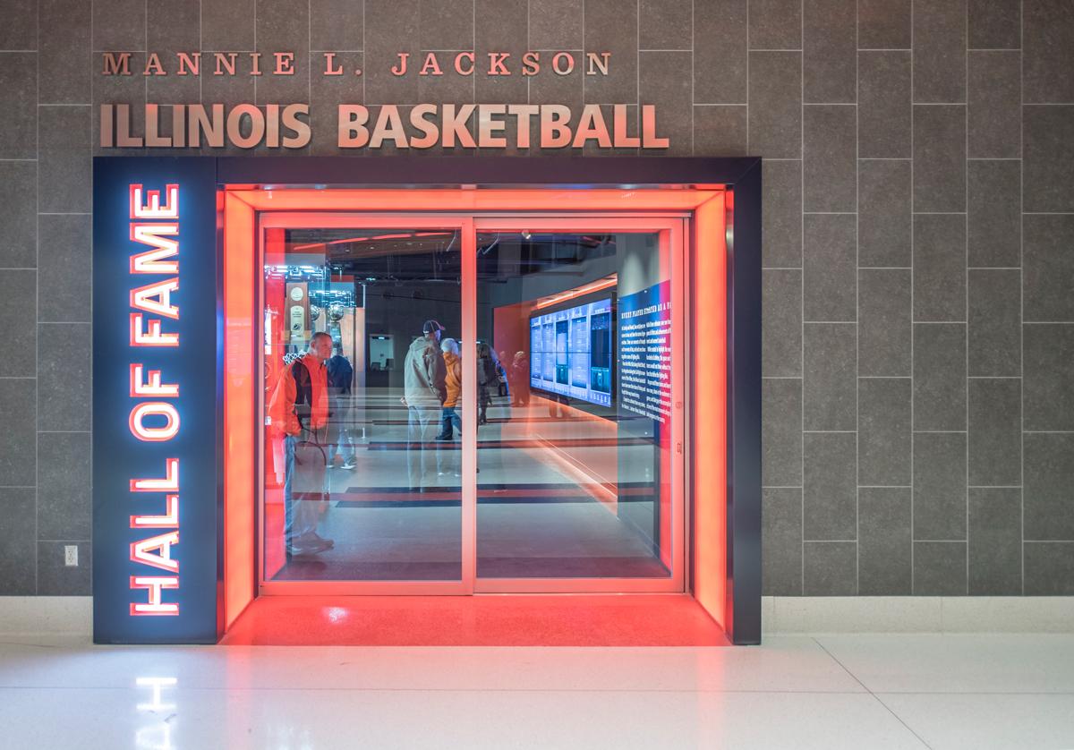 Univ_Illinois_Low_Entry.jpg