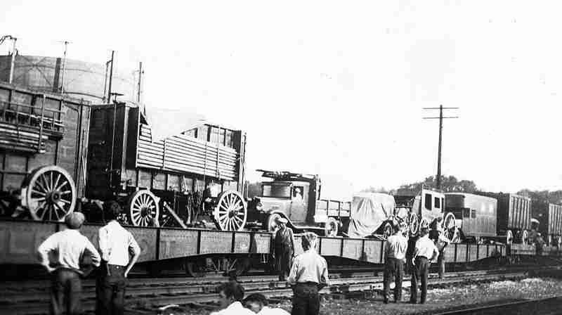 bufflalo train.jpg