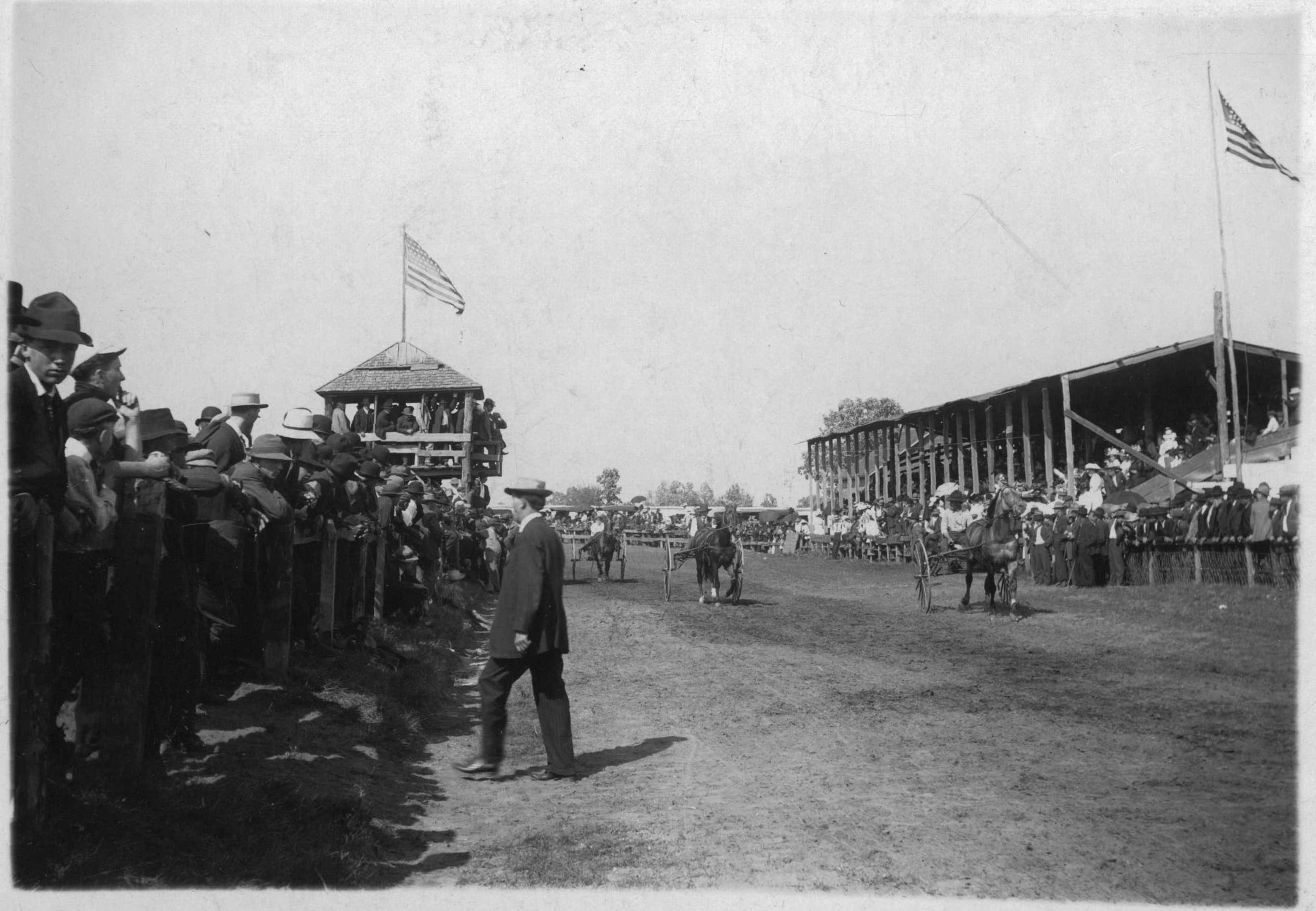 Races-at-Fair-1911.jpg