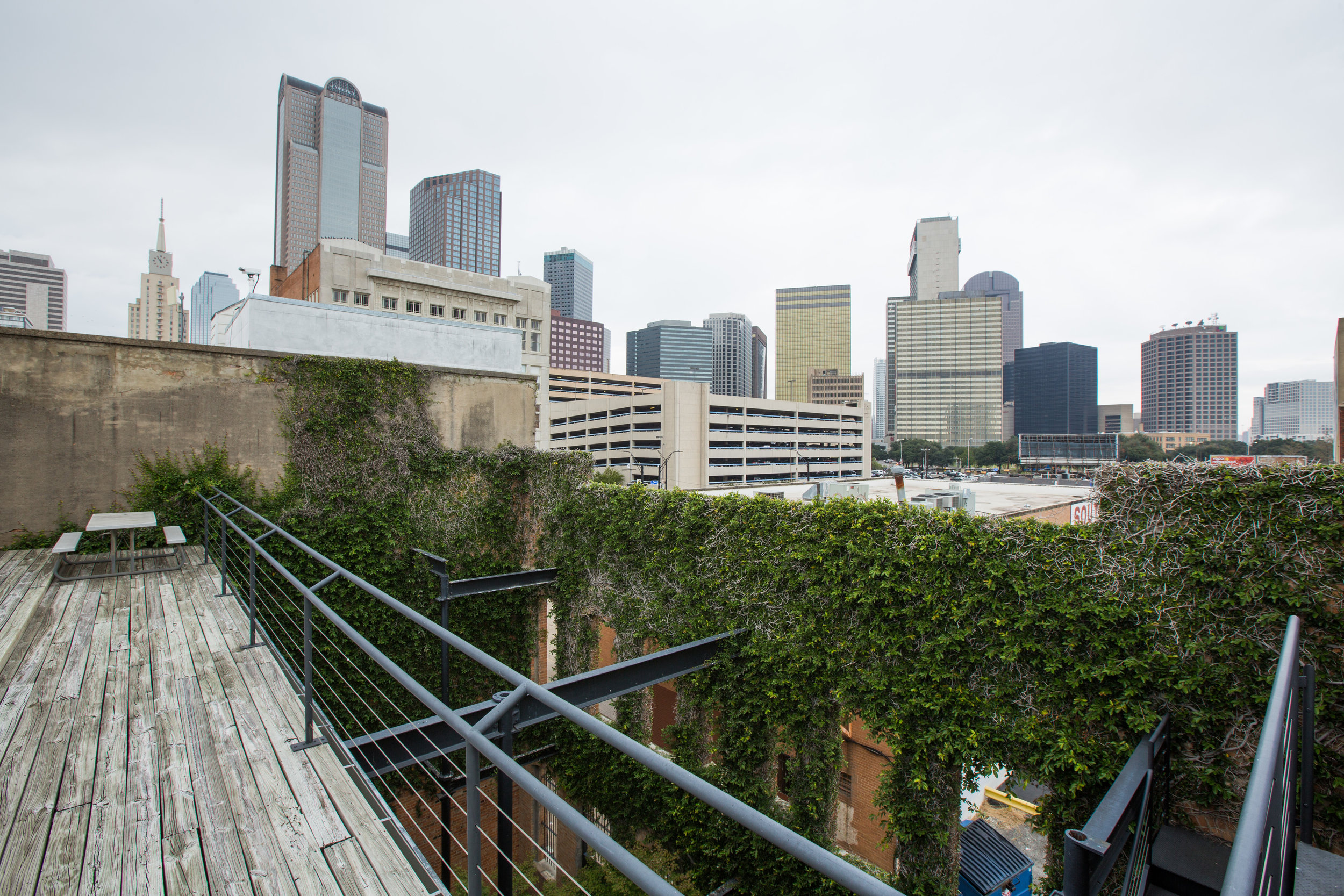 W Roof 1.jpg