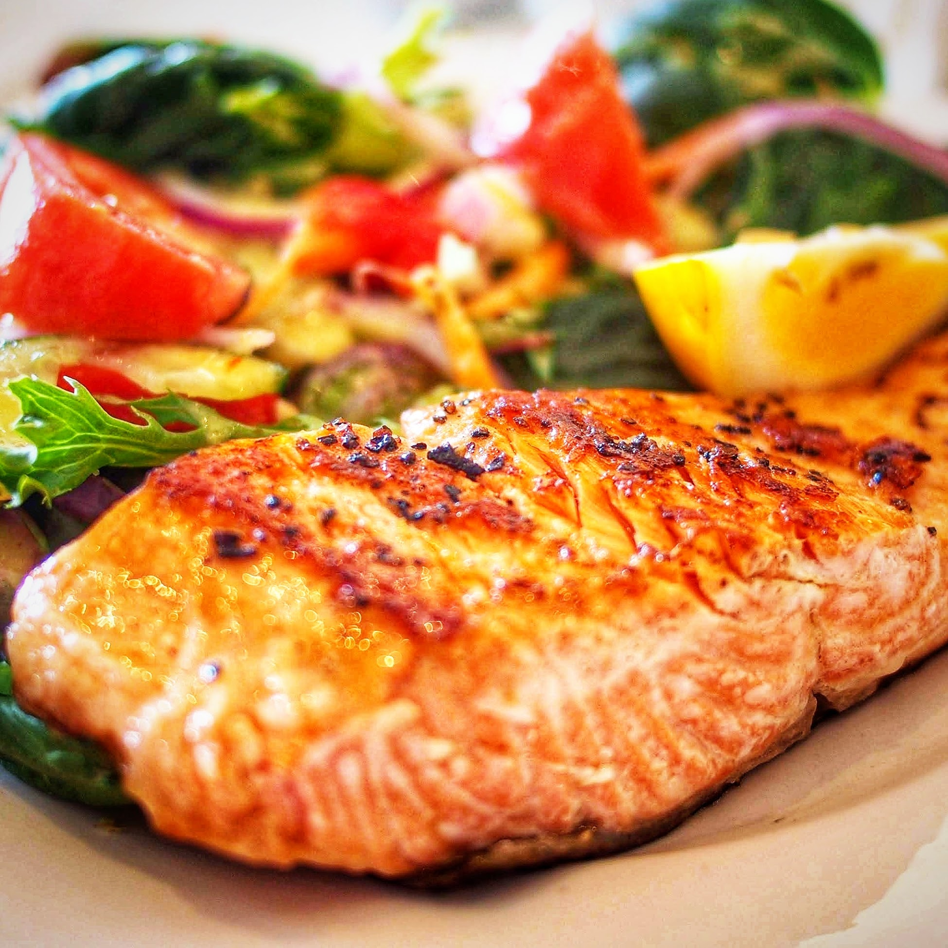 The Big Easy Salmon. - You already knew The Big Easy Oil-less Fryer was amazing for chicken, turkey and ribs but did you know that it can even cook delicious salmon fillets?