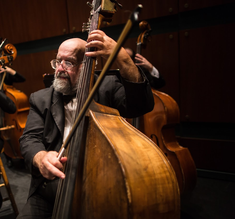 Richard Meyn, bass - A longtime Oregon resident, Richard Meyn has been an active classical musician and teacher for more than 40 years. As one of the original founding members of Oregon Mozart Players, he also serves as Principal Bassist of the Eugene Symphony and the OSU/Corvallis Symphony. Mr. Meyn received his music training under Dr. Robert Hladky at the University of Oregon and has been a member of the Oregon State University music faculty since 1995.Comfortable with music from Bach to Claude Bolling, Meyn has performed with the San Francisco Ballet, Oregon Bach Festival, Eugene Opera, Oregon Coast Music Festival, Oregon Baroque Ensemble, Oregon Festival of American Music, Opera Theater Corvallis, Corvallis Repertoire Singers, Rogue Valley Symphony, and the Glen Ellyn Children's Choir. Mr. Meyn lives in Springfield where he enjoys watching old black-and-white films on Turner Classic Movies and playing through his large collection of vintage popular sheet music on his 1915 mahogany parlor piano.