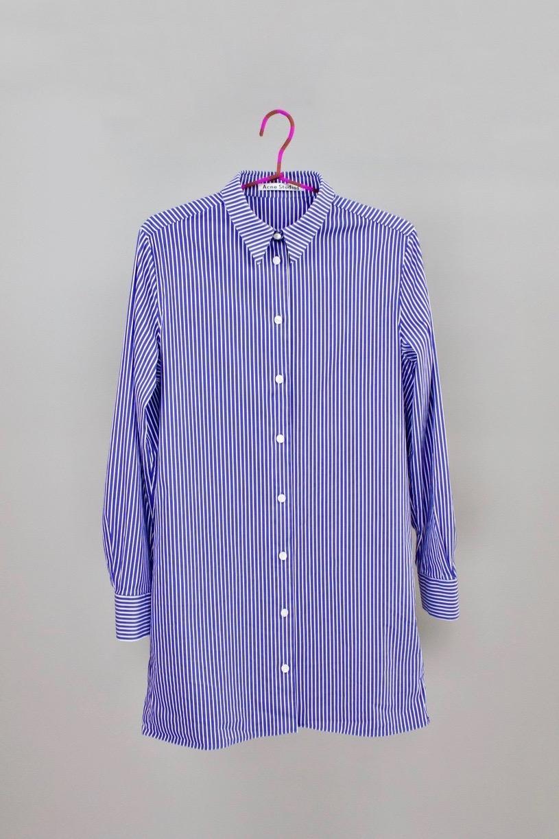 Long stripe blouse   Pre-owned Acne Studio's form cotton blouse. Found in a vintage boutique in Copenhagen.