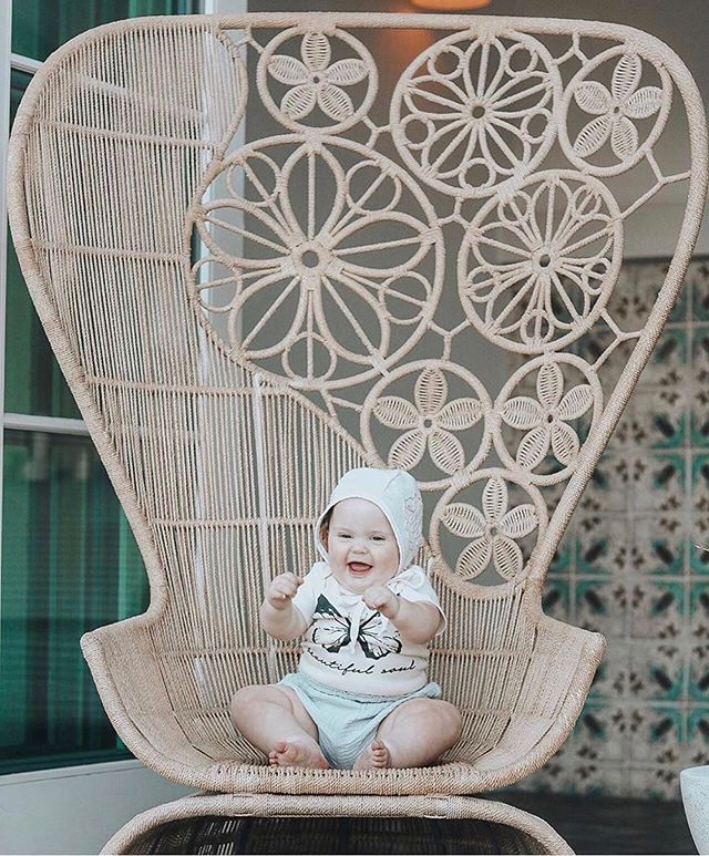 How precious is this smiley girl in her beautiful soul onesie? 🦋 . Summer is finally here, and we are launching a new summer collection! Stay tuned 💛 . #simplychildren #magicofchildhood #wildandfree #joyfulmama #beautifulsoul #letthemplay