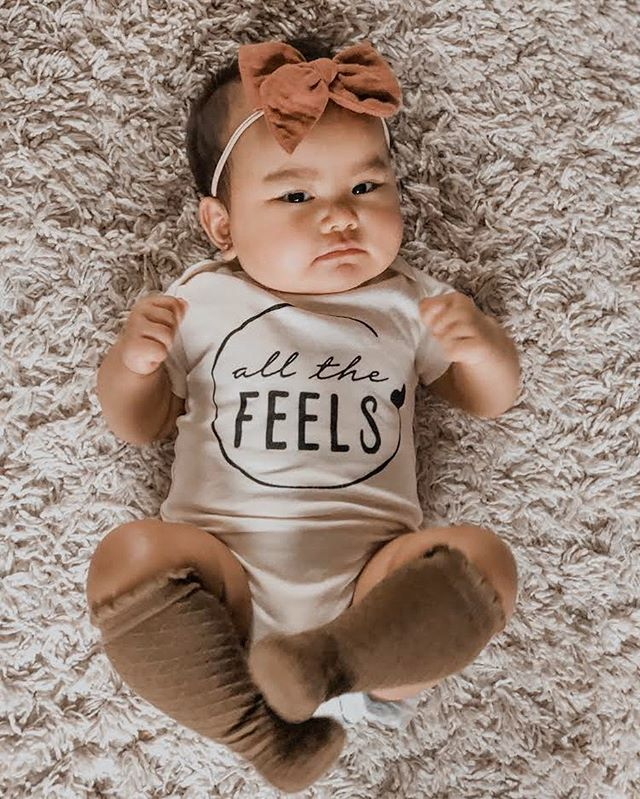 Nothing sweeter than a babe in knee-highs 💛  #feels #allthefeels #babyfever #babyclothes #organicbabyclothes #holdthemoments #stunningbabies #kidsofinstagram