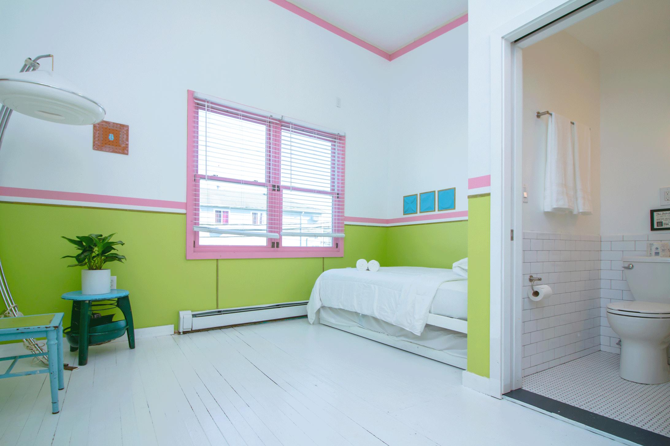 - 2 Bedroom