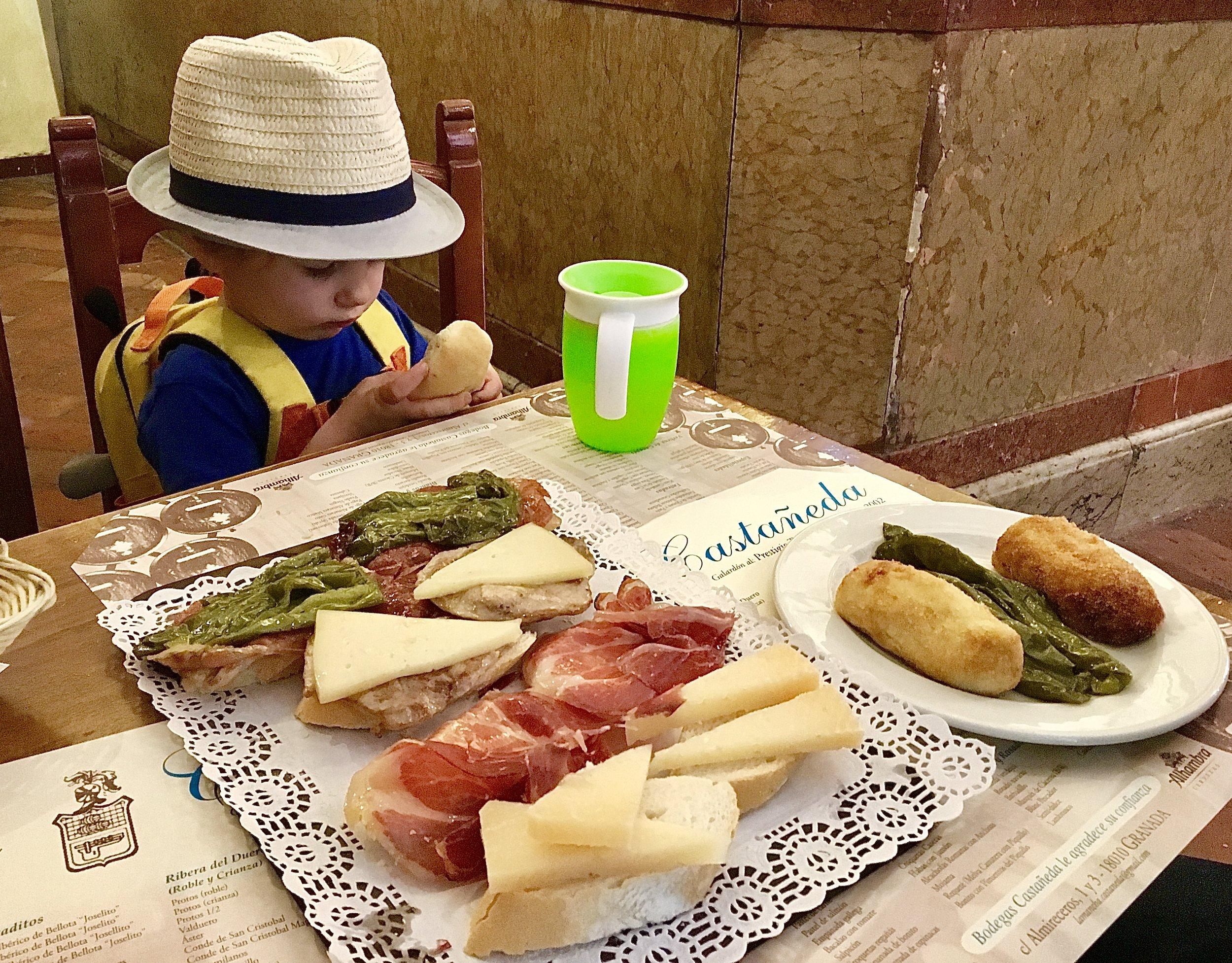 Free Tapas_City Nibbler_Granada Spain