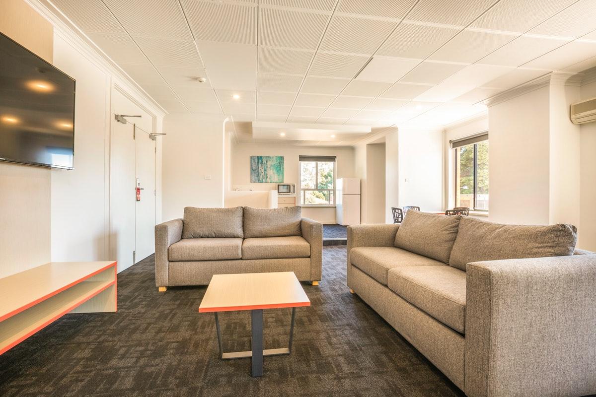 elizabeth-south-accommodation (5).jpg