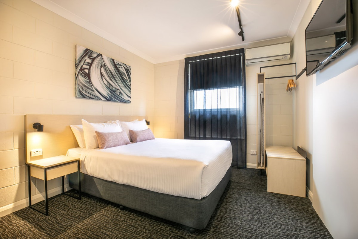 accommodation-in-port-adelaide (2).jpg
