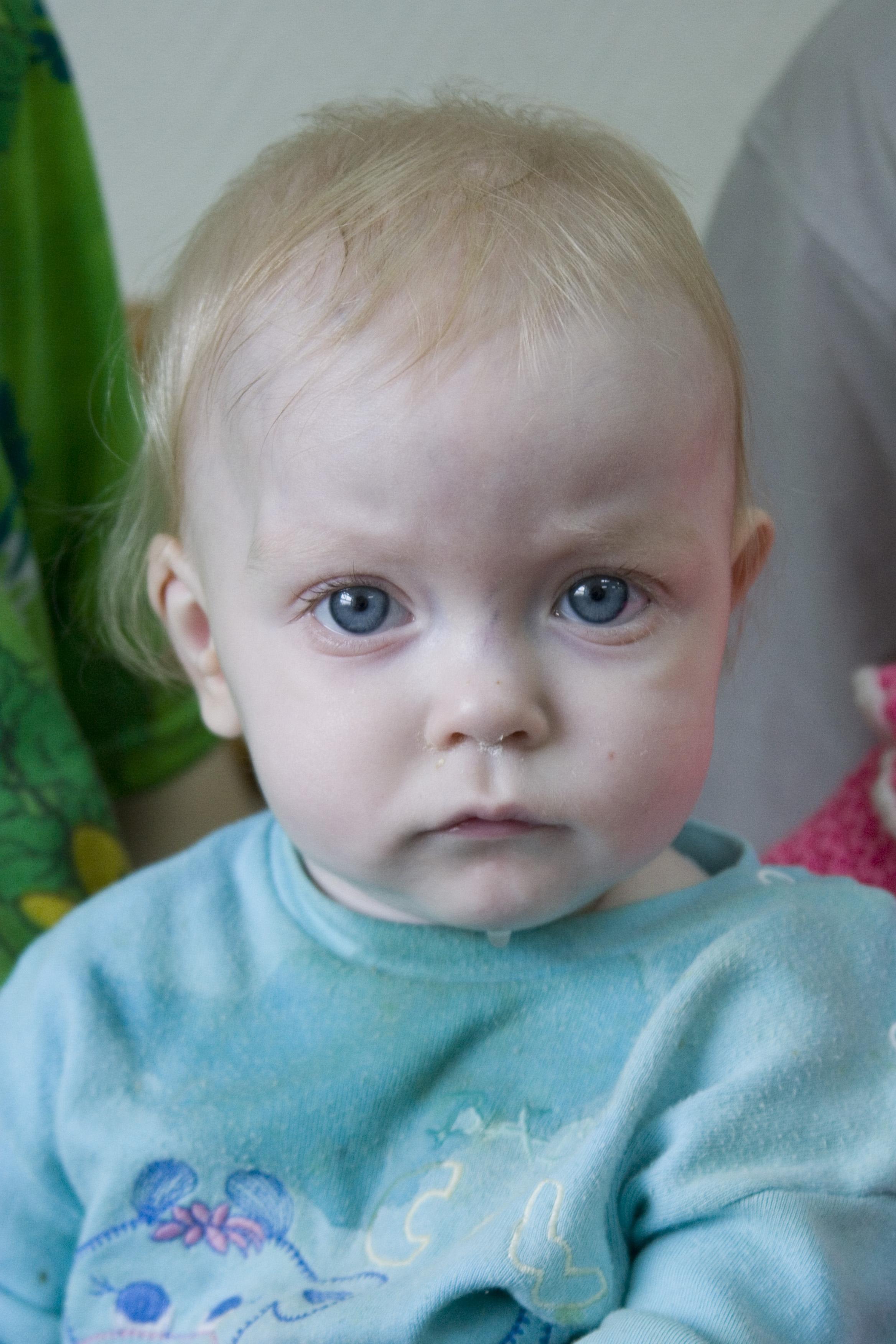 Baby Katya Khromkova Tomsk 2006.JPG