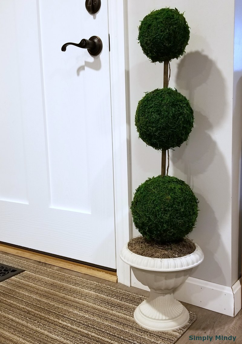 how-to-make-your-own-artificial-topiary_1.jpg