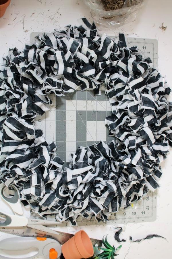 simple-wreath-diy.jpg