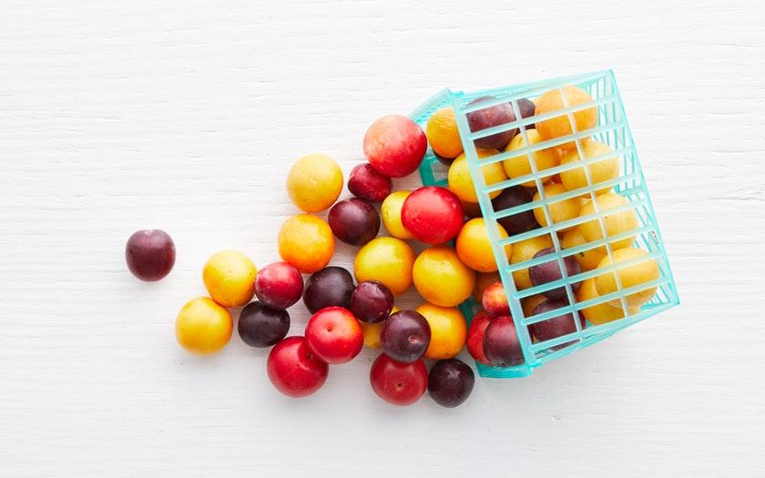 Knoll Farms  Organic Mixed Cherry Plums  $5.99