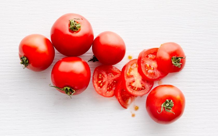 Live Earth Farm   Organic Dry-Farmed Early Girl Tomatoes   $3.79
