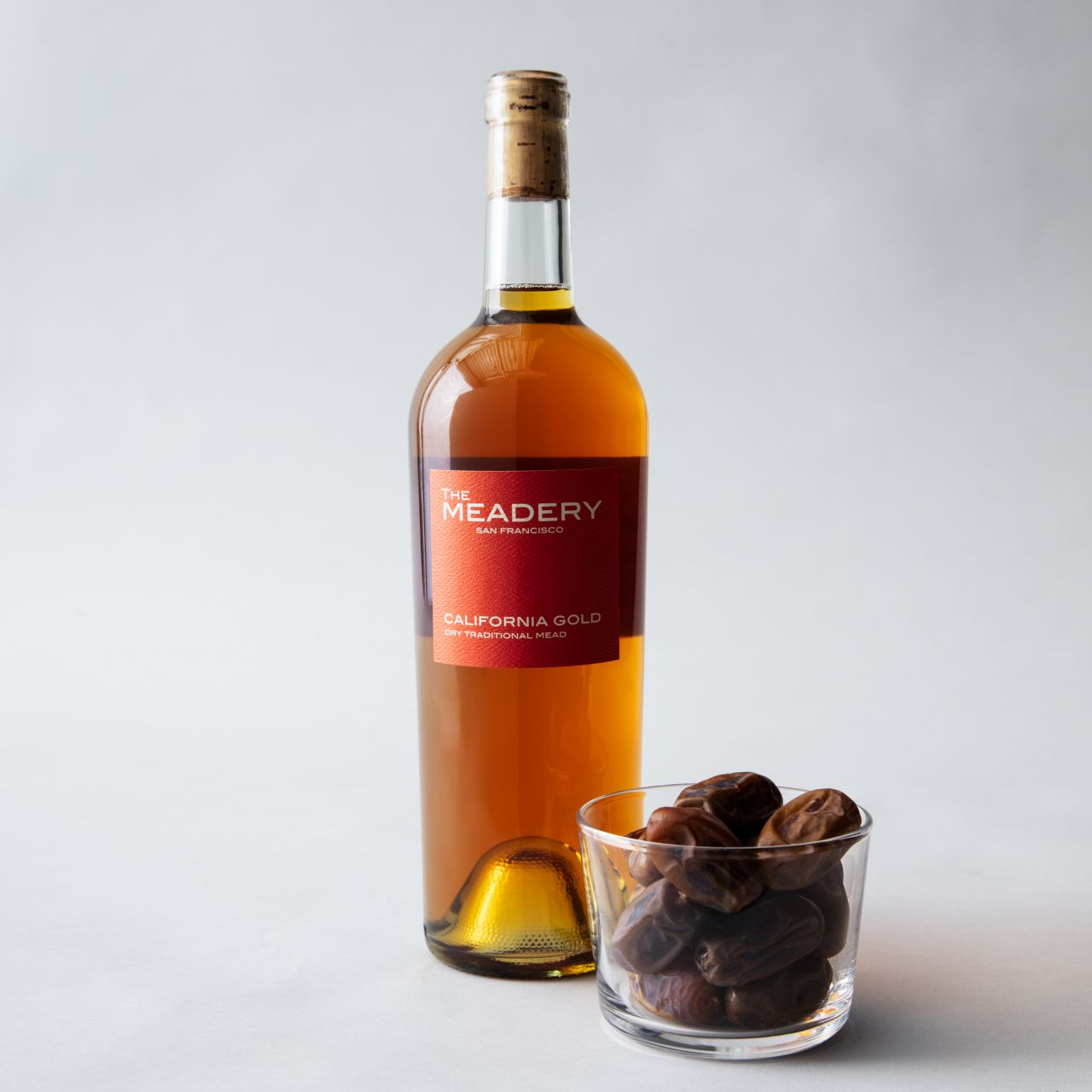 california-grown-dates-and-wine-pairings-amber-sf-mead-company-california-gold.jpg