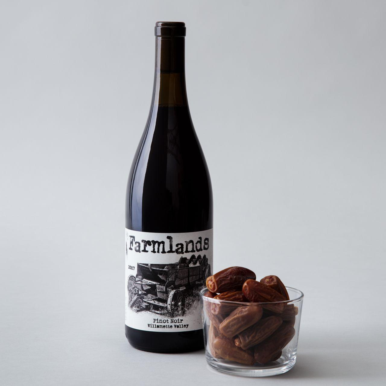 california-grown-dates-and-wine-pairings-deglet-noor-pinot-noir.jpg